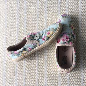 9/40 Miz Mooz Serafina Slip On Floral Shoes